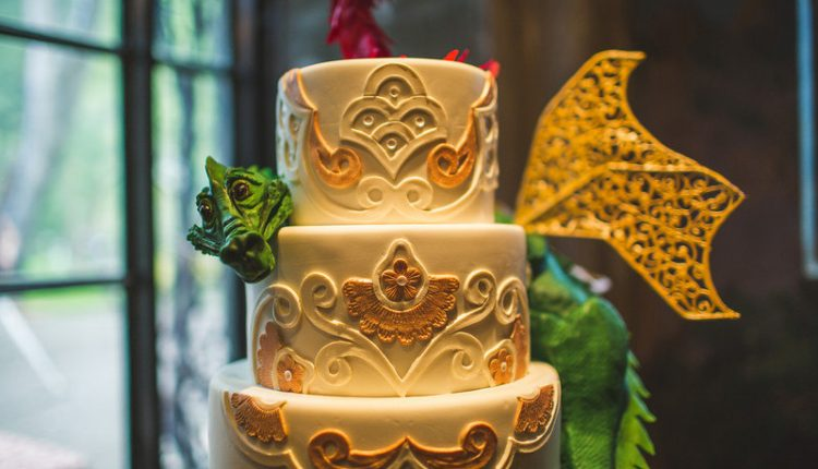 Jawdropping Geek Wedding Cakes That You NEED to See